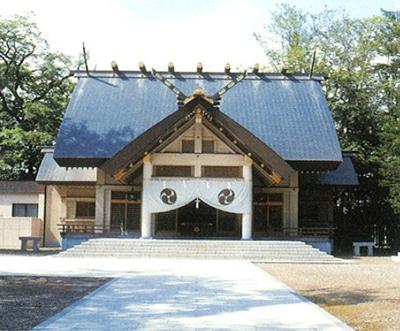 11_帯廣神社社殿