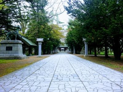 8_帯廣神社参道
